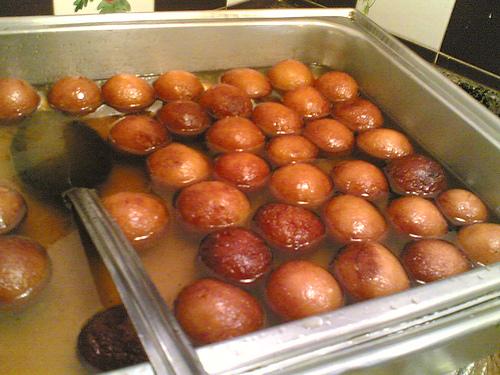 كافه ی آیدا - شیرینی و دسر های كشور هند (Gulab Jamun)